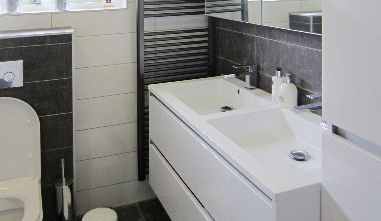 Offerte Badkamer Verbouwen : Badkamer verbouwen hans dieker